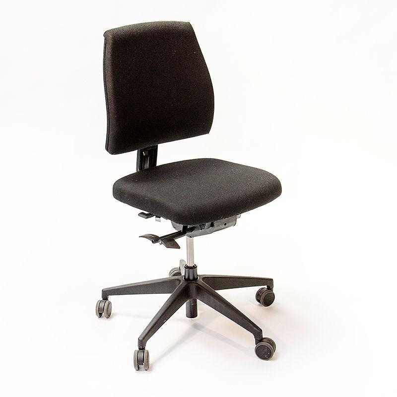 køb kontormøbler